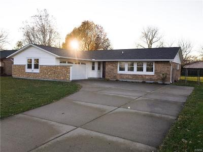 Huber Heights Single Family Home For Sale: 6983 Troy Pike