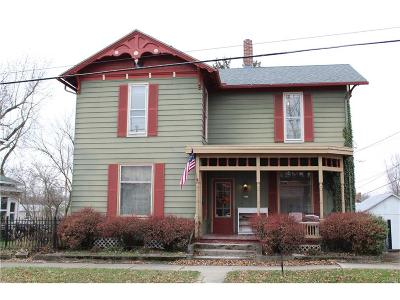 Single Family Home For Sale: 217 Maple Street