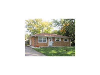 Xenia Single Family Home For Sale: 985 Deerfield Court