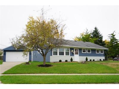 Kettering Single Family Home Active/Pending: 2942 Cunnington Lane