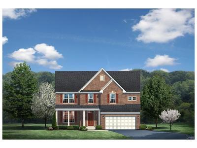 Tipp City Single Family Home For Sale: 1111 Blueflag