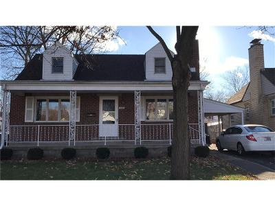 Fairborn Single Family Home For Sale: 332 Holmes Drive