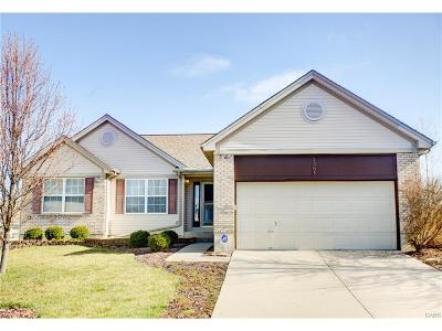 Fairborn Single Family Home For Sale: 1381 Stonehaven Court