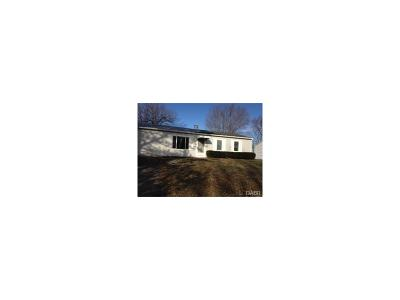 Xenia Single Family Home For Sale: 574 Richard Drive