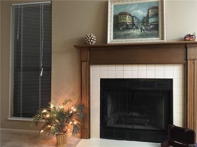 Dayton Condo/Townhouse For Sale: 9714 Centerville Creek Lane