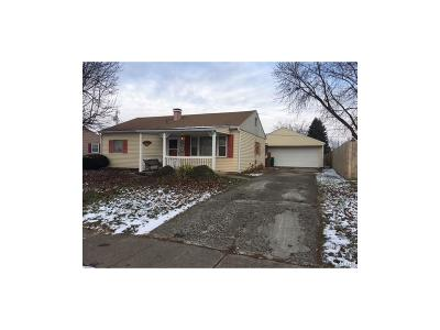 Fairborn Single Family Home For Sale: 49 Rowland Drive