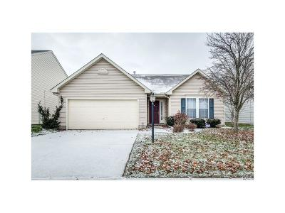 Dayton Single Family Home For Sale: 5233 Brookmill Court