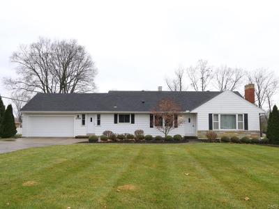 Beavercreek Single Family Home For Sale: 3719 Knollwood Drive