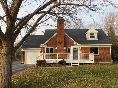 Dayton Single Family Home For Sale: 401 Storms Road