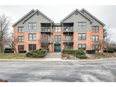 Dayton Condo/Townhouse For Sale: 700 Ashton Circle #242