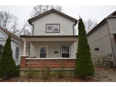 Dayton Single Family Home For Sale: 52 Rogge Street