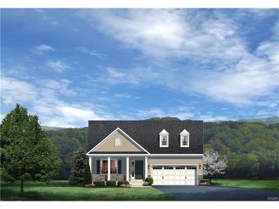 Tipp City Single Family Home For Sale: 941 Cedar Grove Drive