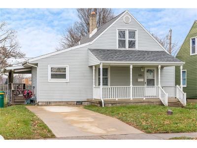 Fairborn Single Family Home For Sale: 329 Archer Drive