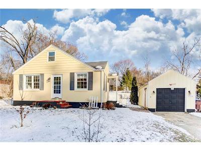 Beavercreek OH Single Family Home Active/Pending: $128,500