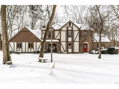 Tipp City Single Family Home Active/Pending: 1060 Wilderness Bluff