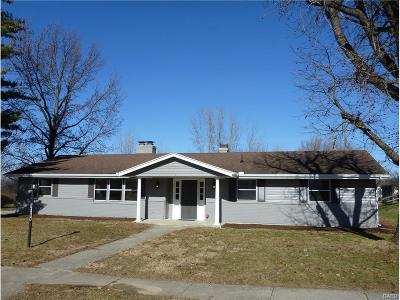 Fairborn Single Family Home For Sale: 1165 Mint Springs Drive