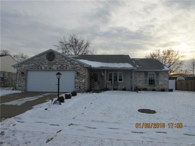 Huber Heights Single Family Home Active/Pending: 8661 Emeraldgate Drive