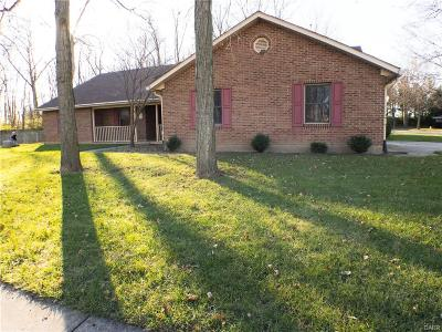 Tipp City Single Family Home For Sale: 704 Red Oak Court
