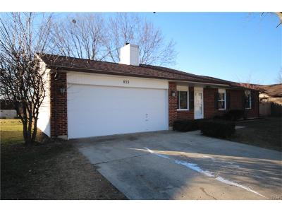Englewood Single Family Home Active/Pending: 833 Southview Drive