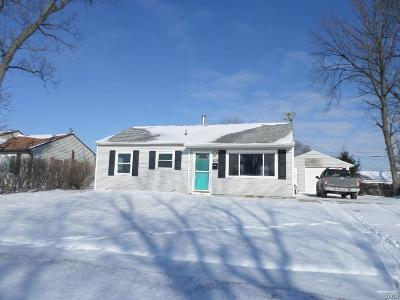 Vandalia Single Family Home For Sale: 829 Spartan Avenue