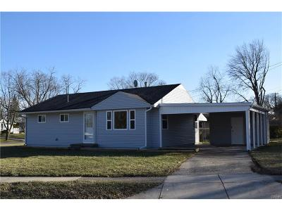 Kettering Single Family Home For Sale: 2224 Vale Drive