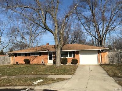 Huber Heights Single Family Home Active/Pending: 6024 Turnbridge Lane