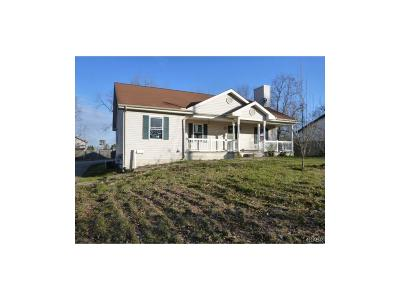 Miamisburg Single Family Home Active/Pending: 1027 Esther Avenue