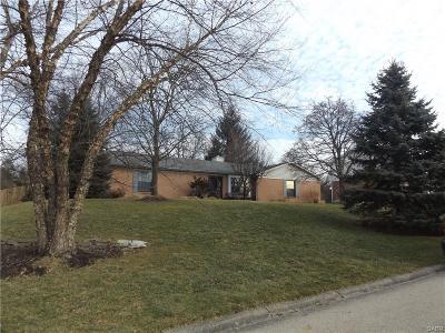 Dayton Single Family Home For Sale: 7640 Essington Circle
