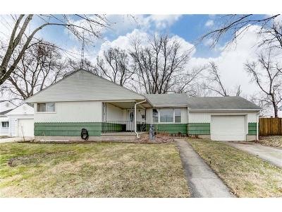 Fairborn Single Family Home For Sale: 513 Lewis Drive