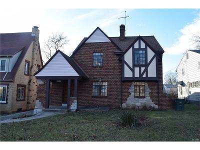 Dayton Single Family Home For Sale: 1927 Burroughs Drive