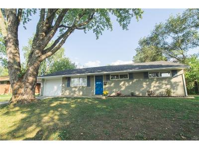 Huber Heights Single Family Home Active/Pending: 6418 Chippingdon Drive