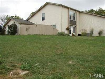 Dayton Multi Family Home Active/Pending: 1200 Robbins Run Court