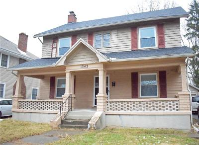 Dayton Single Family Home For Sale: 1343 Amherst Place