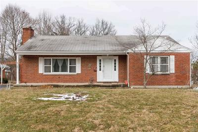 Yellow Springs Vlg OH Single Family Home Active/Pending: $218,900