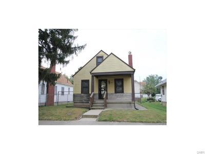 Dayton Single Family Home For Sale: 2720 Oakridge Drive