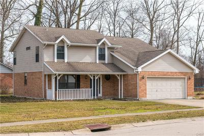 Huber Heights Single Family Home Active/Pending: 8840 Watergate Drive