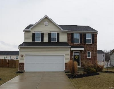 Fairborn Single Family Home For Sale: 1445 Artesian Lane