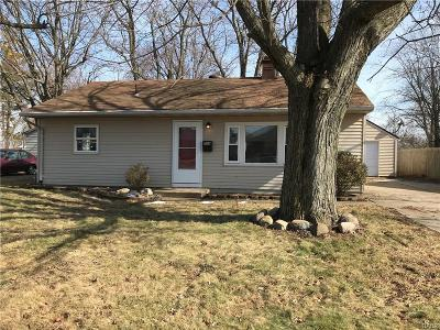 Vandalia Single Family Home For Sale: 208 Helke Road