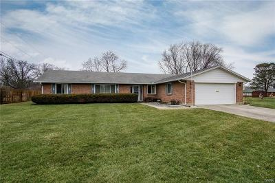 Dayton Single Family Home Active/Pending: 1025 Sharewood Court