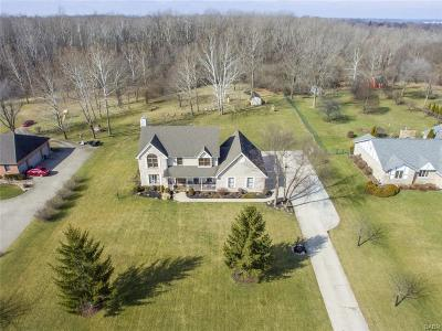 Fairborn Single Family Home Active/Pending: 1371 Meadowlands Drive