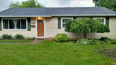 Dayton Single Family Home For Sale: 5550 Haverfield Road