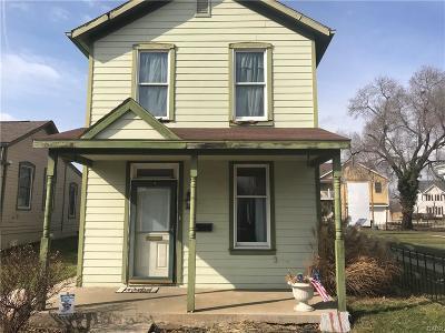 Dayton Single Family Home For Sale: 11 Hawthorn Street