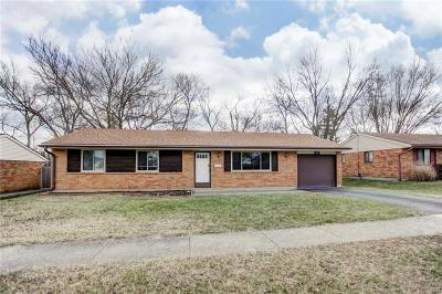 Dayton Single Family Home For Sale: 102 Grantwood Drive