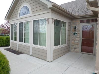 Beavercreek Condo/Townhouse For Sale: 2384 Locust Hill Boulevard