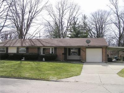 Kettering Single Family Home For Sale: 4831 Arrowhead Drive