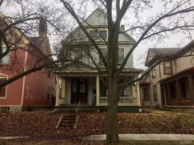 Dayton Single Family Home For Sale: 225 Perrine Street