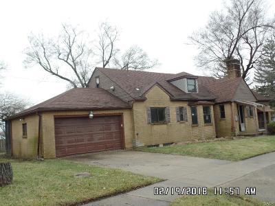 Dayton Single Family Home For Sale: 1556 Philadelphia Drive