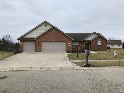 Dayton Single Family Home For Sale: 6844 Summergreen Drive
