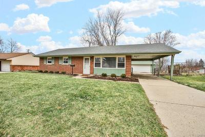 Kettering Single Family Home Active/Pending: 2833 Chinook Lane