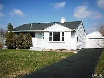Dayton Single Family Home For Sale: 2549 Dowden Lane